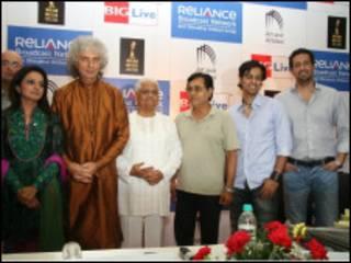 दुर्गा जसराज, शिवकुमार शर्मा, प्यारेलाल, जगजीत सिंह और सलीम-सुलेमान