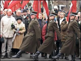 Ветерани Латвійського Легіону, який був у складі нацистської дивізії Ваффен СС, березень 2009 року. Фото Франс Прес