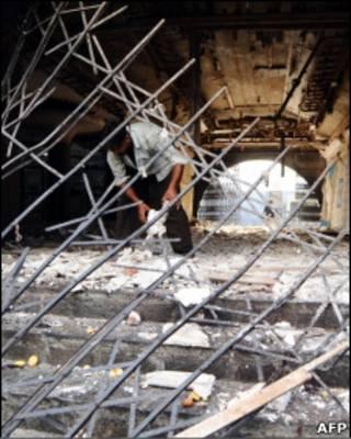 Templo em Lahore foi atingido por explosões
