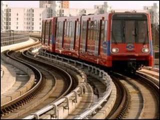 Trem da linha DLR