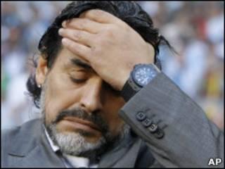 Maradona na tunanin ajiye aikin shi