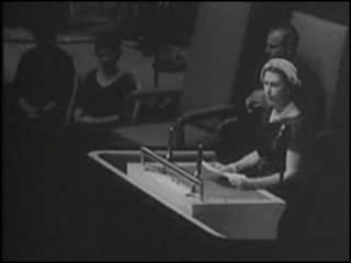 Королева Елизавета II выступает в ООН. 1957 год