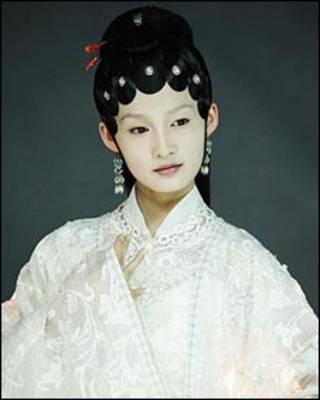 Lâm Đại Ngọc trong vai của Đường Nhất Phi - hình của đài truyền hình TQ