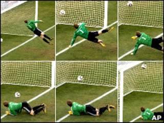 صحنه گل انگلستان به آلمان که داور آن را نپذیرفت