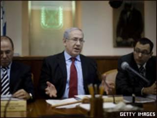 رئيس الوزراء الإسرائيلي خلال اجتماع مجلس الوزراء الأسبوعي
