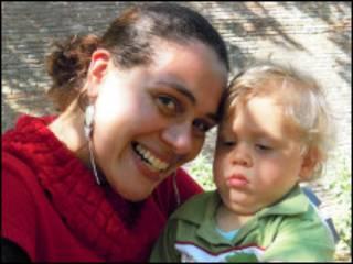 Erica com o filho, Nicholas