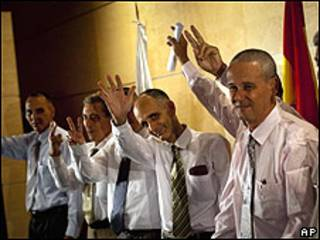Các tù nhân tới Madrid