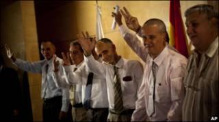 Семеро бывших заключенных в Мадриде