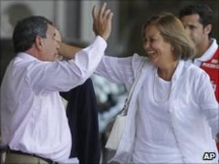 Uno de los primeros disidentes cubanos en llegar a Madrid es recibido efusivamente