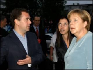 ميركيل ومدفيديف