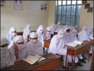 شاگردان مدارس دینی پاکستان