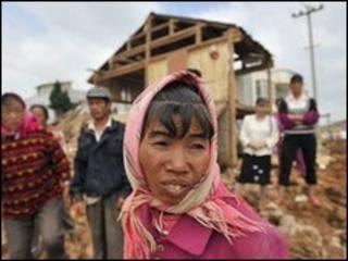 Topan hancurkan rumah di Cina