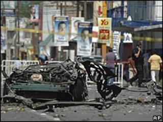 Carro-bomba explodiu no centro de Ciudad Juárez (foto: AP)