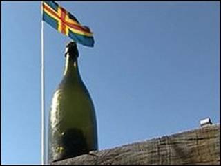 Champanhe que pode ser o mais antigo do mundo, encontrado no mar Báltico