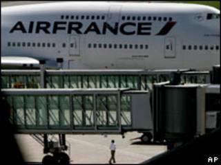 Avião da Air France obrigado a pousar em Recife após falsa ameaça de bomba (AP, 11 de julho)
