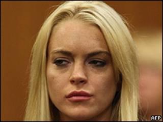 Lindsay Lohan durante a aparição na Justiça nesta terça-feira, antes de ir para a prisão (foto: AFP/Getty Images)