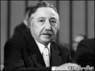 Луис Корвалан