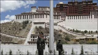 Lính TQ ở Tây Tạng