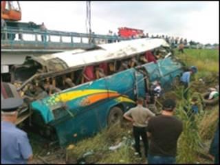 Автобусная авария на Ставрополье (Фото: Пресс-служба Южного регионального центра МЧС РФ)