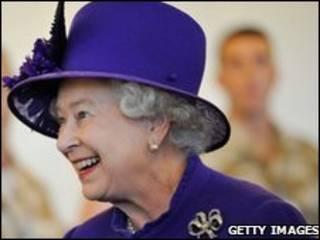 د برتانيا ملکه دوهمه اليزابيت