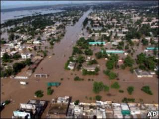 पाकिस्तान में बाढ़