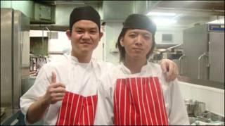 Bếp trưởng Ricky (trái) và phụ bếp Tony