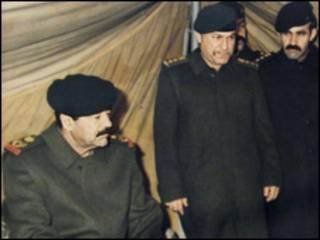 صدام حسین در یک اردوگاه نظامی در کویت پس از اشغال این کشور توسط عراق