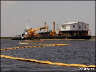 Нефтесборщик в Мексиканском заливе