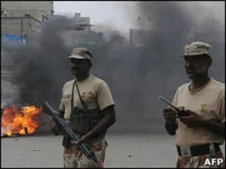 Violência em Karachi