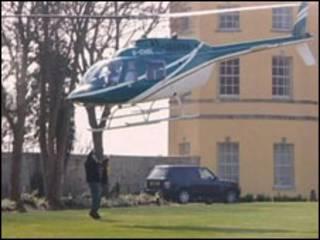 Jafari chegou a atirar um saco contra as hélices do helicóptero