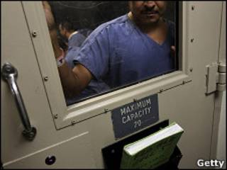 Hombre detenido en EE.UU. esperando deportación
