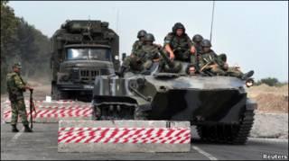 Российские войска на шоссе Гори-Тбилиси в августе 2008 г.