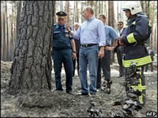 Путин посетил места пожаров в Воронежской области