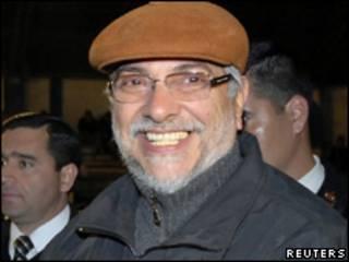 O presidente do Paraguai, Fernando Lugo, durante evento político em Assunção na última quinta-feira (Reuters, 5 de agosto)