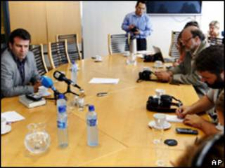 Mohammad Mostafaei e jornalistas