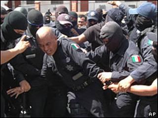 Policiais federais presos