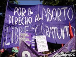 Manifestación pro los derechos del aborto en Argentina (Foto: Gabby DC)