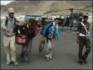 लेह में विदेशी पर्यटक