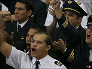 Protesta de pilotos de Mexicana de Aviación el 1 de agosto en el Aeropuerto Internacional de Ciudad de México.