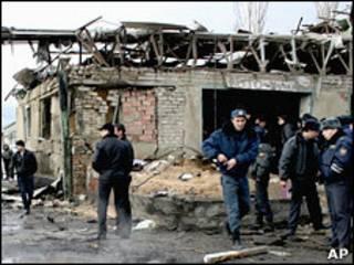 На месте взрыва в Махачкале 6 января 2010 г.