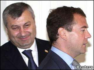 Эдуард Кокойты и Дмитрий Медведев