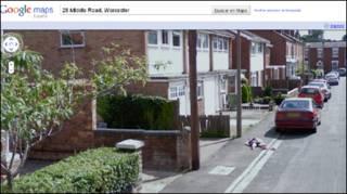 Vista de niña en Street View de Google Maps
