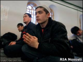 Мусульмане в соборной мечети