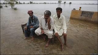 Afectados por las inundaciones en Pakistán