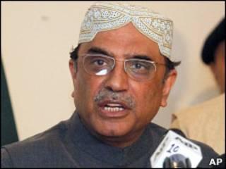 سيجتمع الوفد مع مسؤولين باكستانيين بمن فيهم الرئيس زرداري