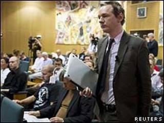 Julian Assange y representantes sindicales suecos