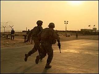 نیروهای آمریکایی به سوی مرز کویت می روند