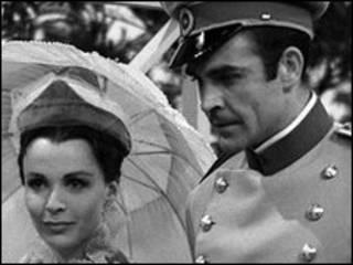 Шон Коннери и Клэр Блум в фильме 1961 года