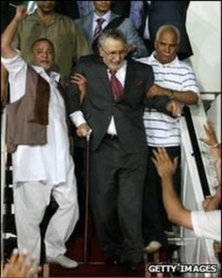 Al-Megrahi foi recebido como herói na Líbia