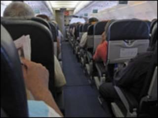 ركاب في طائرة